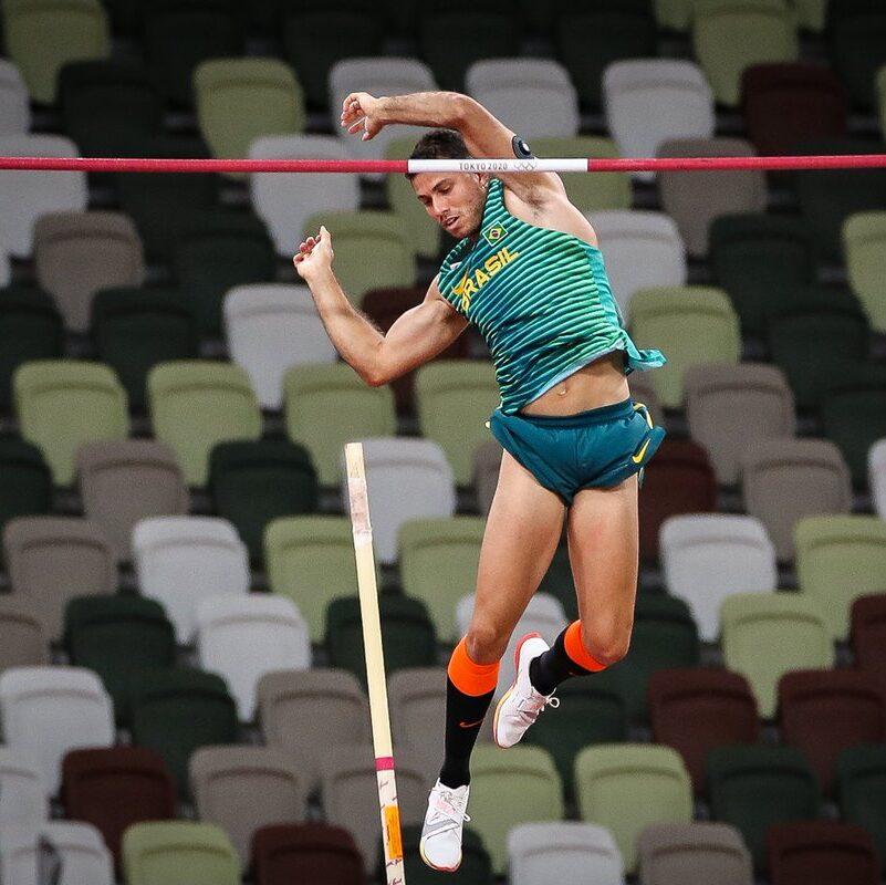 Jogos Olímpicos: Thiago Braz fatura bronze no salto com vara em Tóquio
